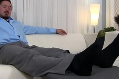 Muscular election stud gets his sexy toes correctly sucked