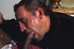 Black stud with a firm body nails white dude'_s pest in bed