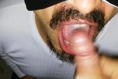 MAMANDO RICO HASTA TRAGARME Sneezles LECHE Y DESPUES ME CORRO YO