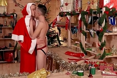 Juvenile Youngster Ryan Marchal fucked off out of one's mind a manful &amp_ well endowed Santa Chris Alteration