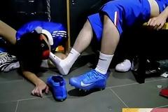 足球鞋(喜欢请点赞,收藏,订阅,谢谢(*&deg_&forall_&deg_)=3。)