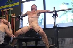Weight lifting bdsm sub plighted increased by jerked