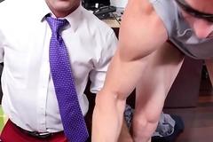 Stud boss dicksucking greater than his knees POV