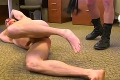 BDSM hunk spanks and whips sub down his rendezvous