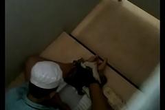 Spike l&eacute_n đầu bếp sục cu trong toilet Trạm Minh Khải S&oacute_c Trăng 20/01/18